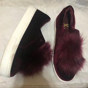 Sam Edelman Leya PomPom Velvet Sneaker